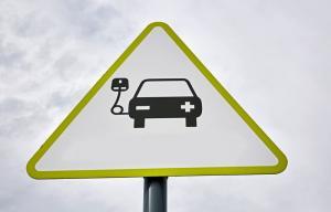 发展新能源汽车电池全价值链:是资源帐,经济帐,更是环境帐