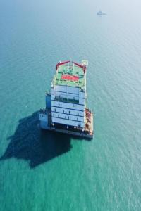 精准到位!三峡如东柔性直流输电工程海上换流站完成安装